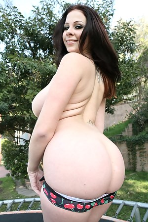 XXX Big Booty Teen Porn Pictures